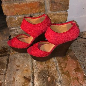 Red laced wedges